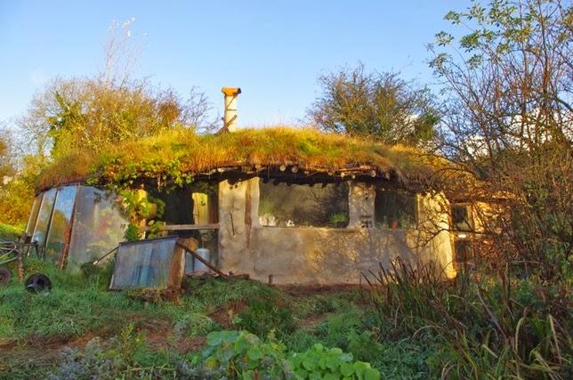Casas ecologicas casas ecol gicas tipo hobbit - Casas enterradas ...