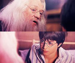 es mi creencia que tu cicatriz te duele cuando Lord Voldemort está cerca de ti