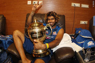 Lasith-Malinga-celebrates-MI-Win-IPL-2013