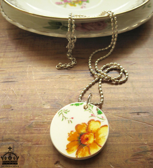 The Bowerbird: Me Old China at Small Space Jewellery