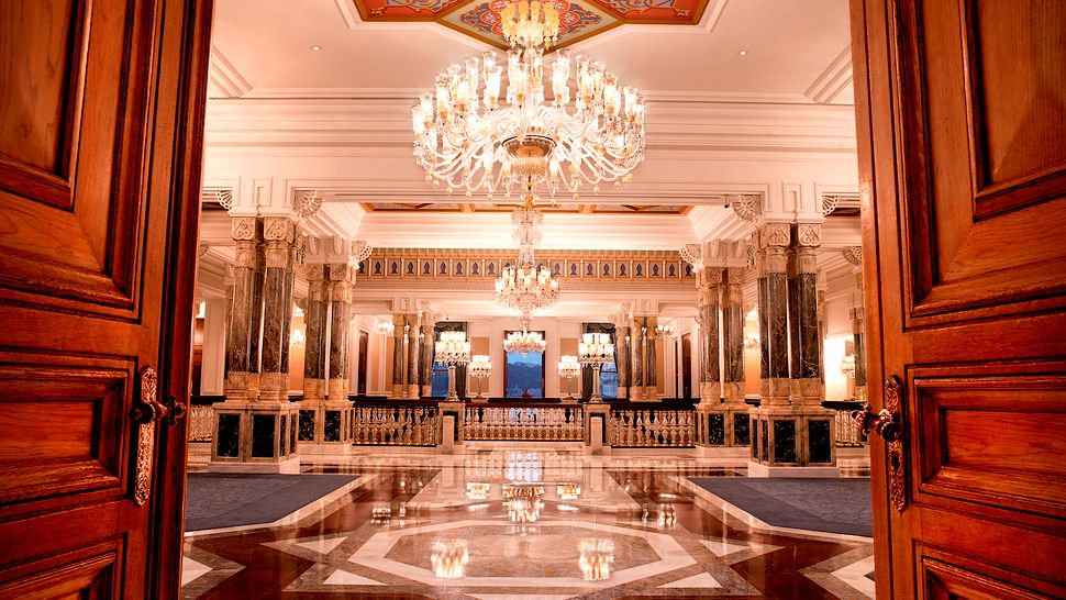 Passion for luxury ciragan palace kempinski istanbul for Decor hotel istanbul