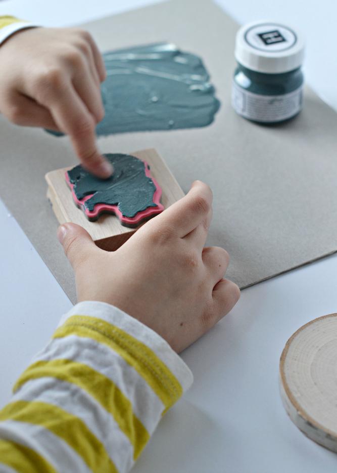 The Life of Jennifer DawnDIY Wood Slice Ornament