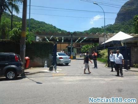 Participantes do BBB 2014 deixaram hotel e já estão na casa do Big Brother Brasil 14