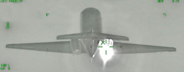 La Fuerza Aérea Colombiana interceptó un jet Hawker 800 procedente de Venezuela cargado de cocaína, el cual se accidentó posteriormente en aguas del Mar Caribe