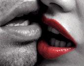 Besos...prohibidos...profundos...eternos.
