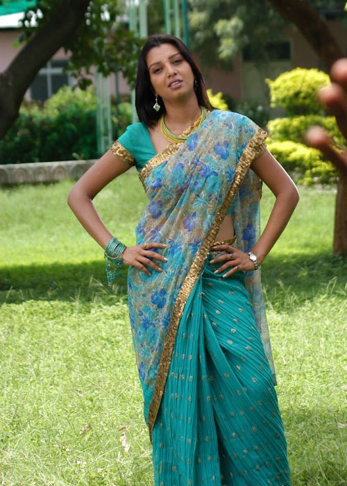 manjulika in saree latest photos