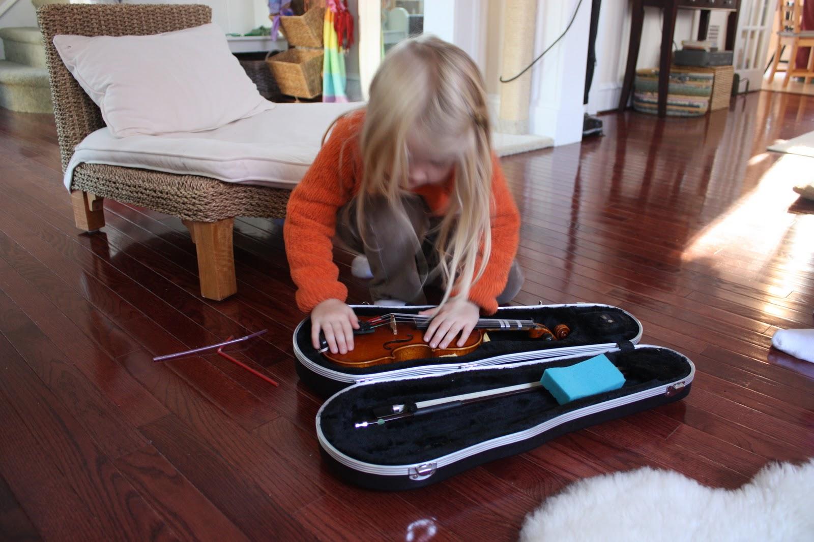 Redbeet Mama: Handwork Thursday - Violin
