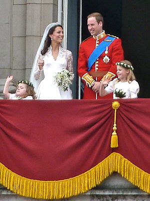 The royal wedding , the royal family in the balcony