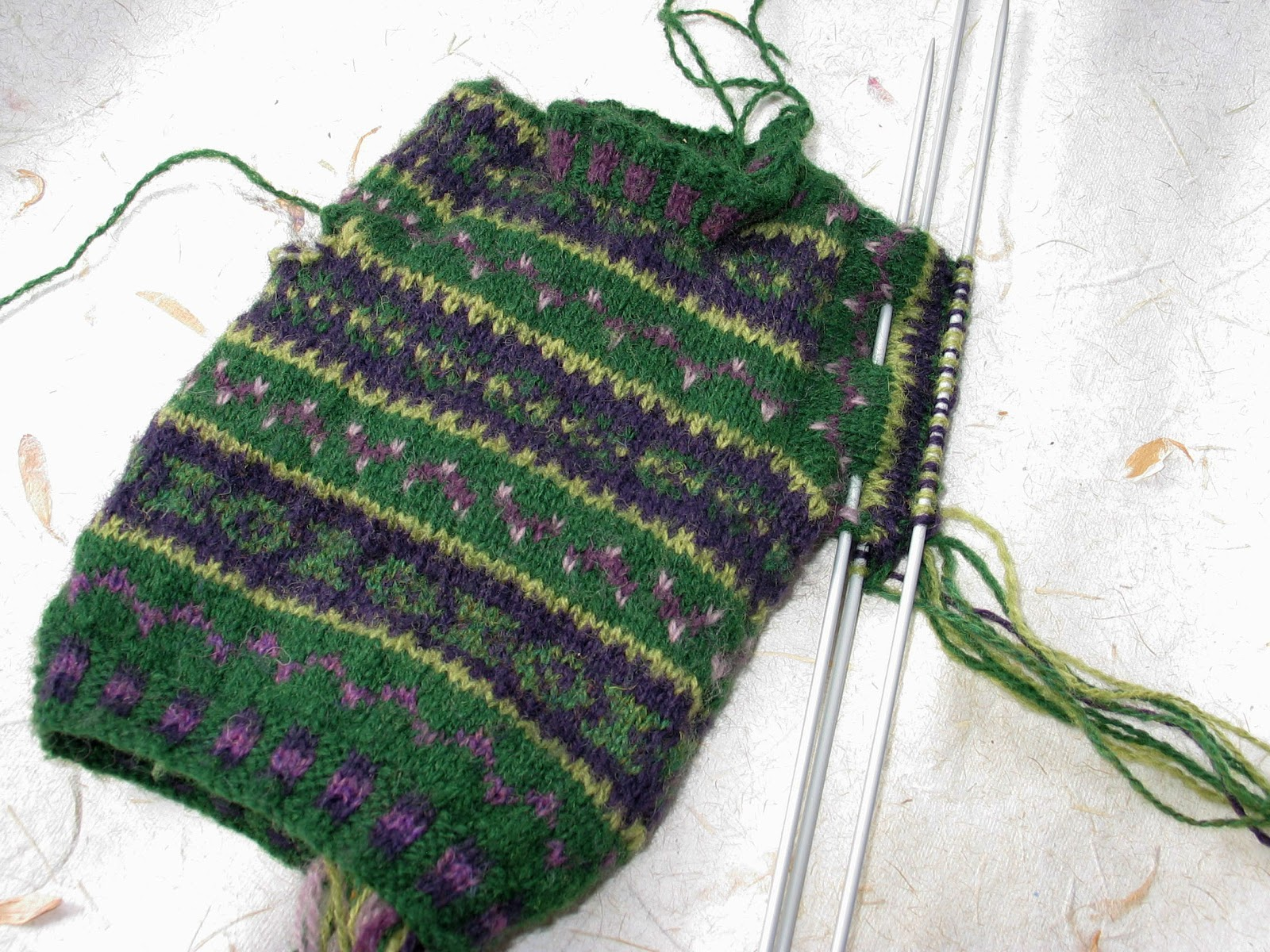 Free Printable Baby Knitting Patterns : Donna Smith Designs: Hooked on fair isle knitting