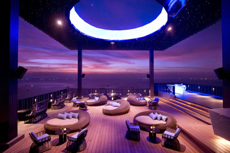 Horizon Bar Lounge Pattaya Beach