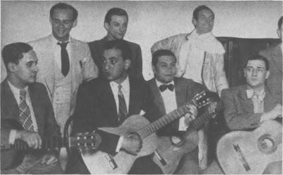 Carlos Roldan con el también cantor Argañaraz, los guitarristas Cerda, Ferrari, Rodríguez y el  animador Cobos,en 1935.