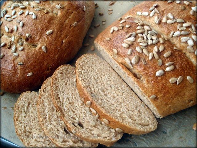 chleb z mąki orkiszowej, chleb ze słonecznikiem, chleb drożdżowy