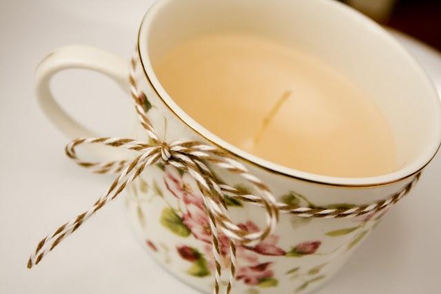 Ideias simples: velas em xícaras