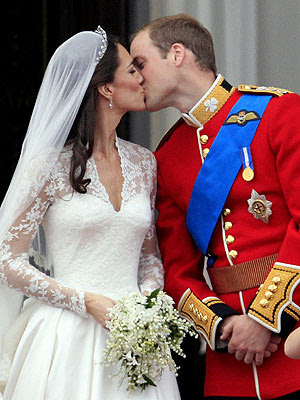 2 Prince%2BWilliam%2Band%2BCatherine%2BMiddleton 10 of the Most Memorable Weddings of the Century