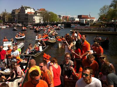 Koninginnedag Amsterdam 2012 boot