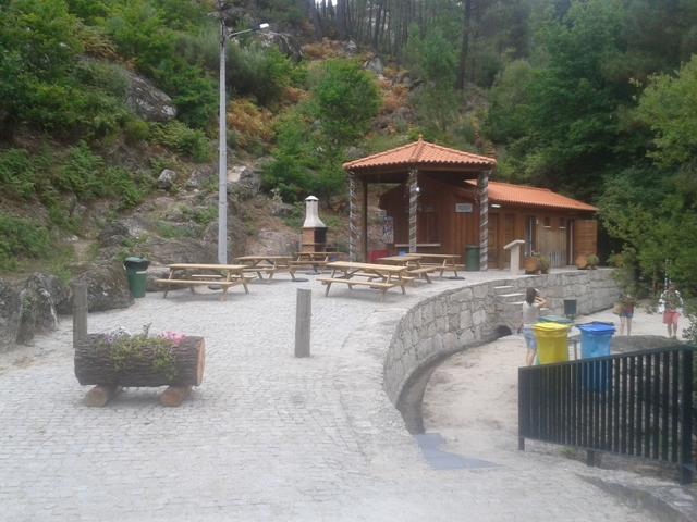 Parque de Merendas da Lapa dos Dinheiros