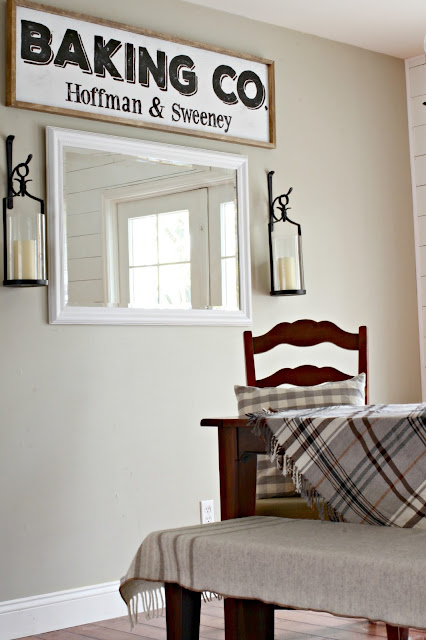 DIY farmhouse style sign - www.goldenboysandme.com