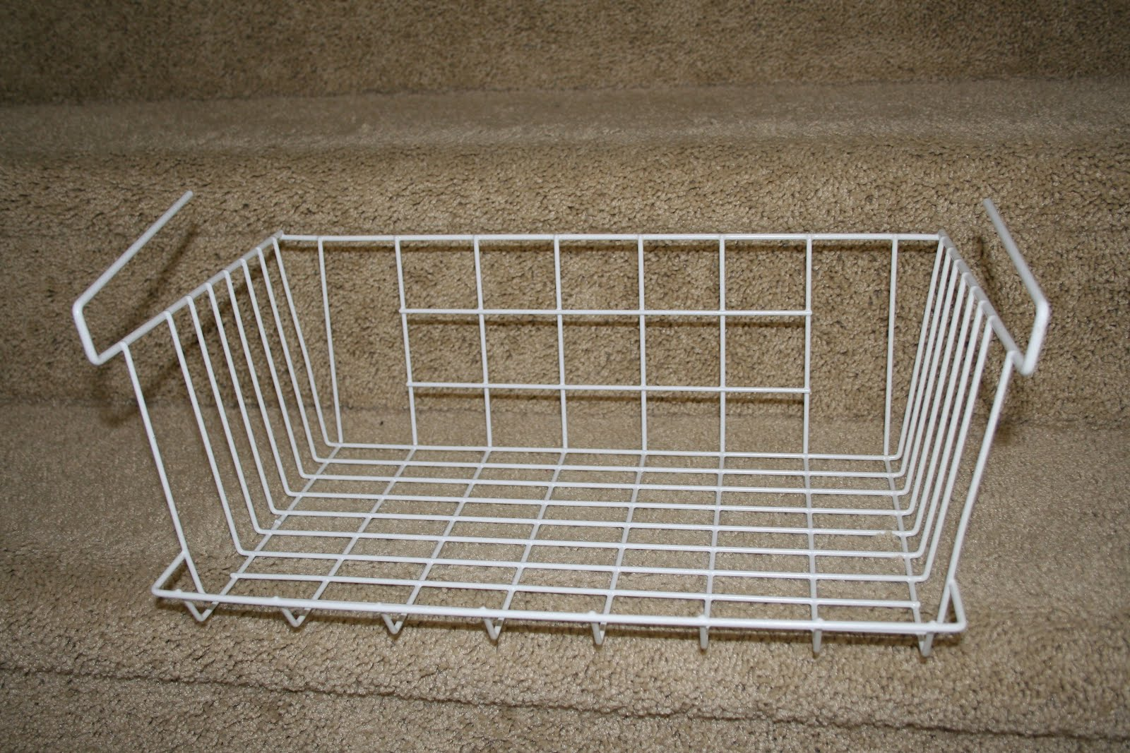 how to use an under shelf wire basket on wire shelving. Black Bedroom Furniture Sets. Home Design Ideas