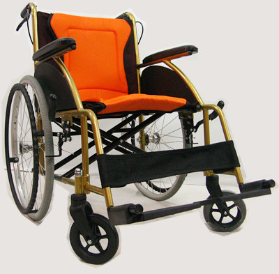 Lightweight wheelchair ( net weight <> 13kg )轻型轮椅Kerusi roda ringan