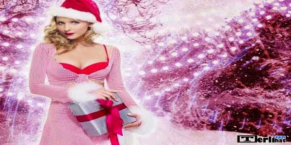 Model Wanita Paling Seksi Dengan Kostum Natal