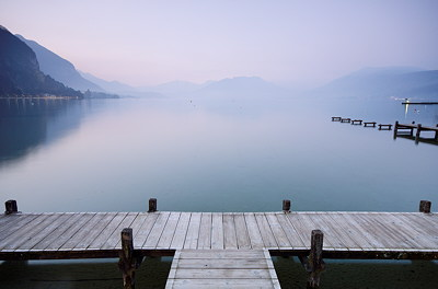 Image of lake Annecy at dawn
