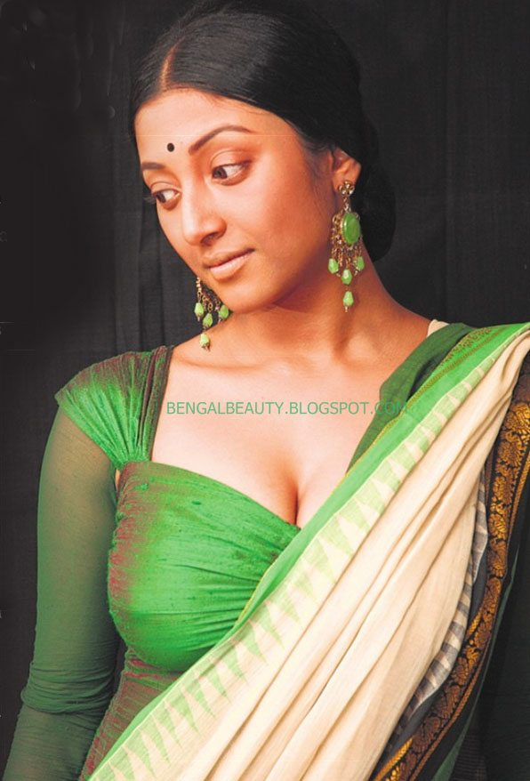 Paoli (or Pauli) Dam (Bengali: 4 October 1980) is an Indian Bengali actress. She is from Golf Road, Kolkata and came into prominence with her 2009 Bengali ... - paoli-dam-hot-cleavage