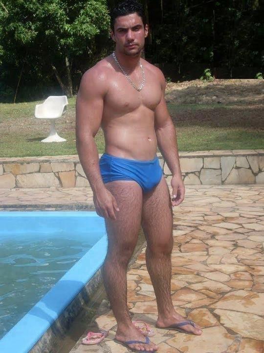 Homens Musculosos E Sarados