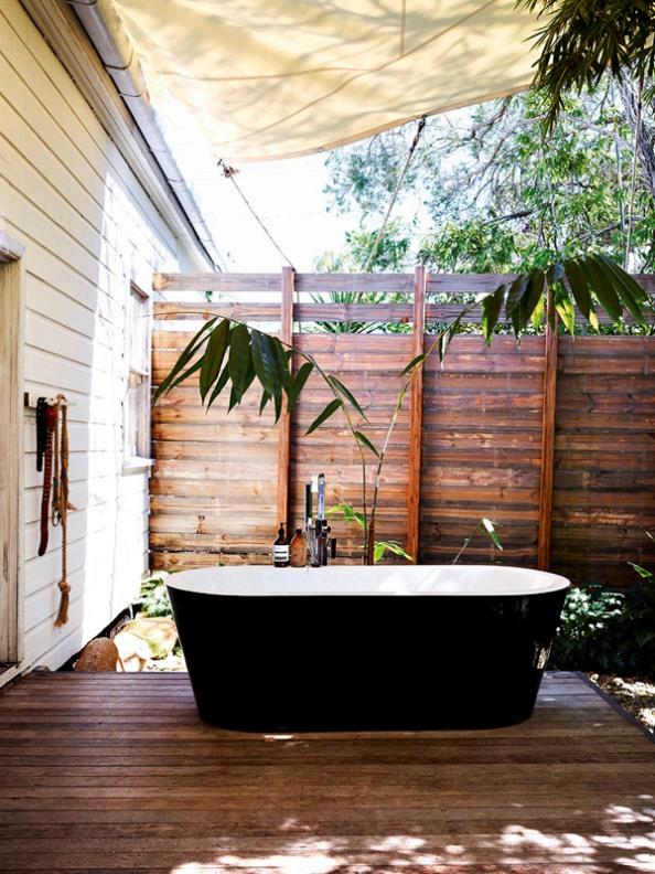 bañera exenta en exterior