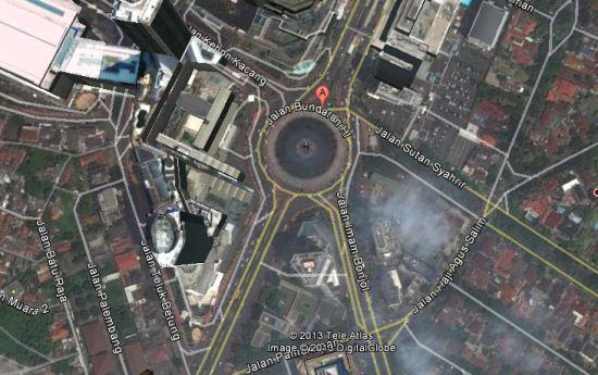 Foto satelit bundaran HI di Google Maps