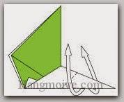 Bước 8: Gấp lộn ngược mặt giấy lên trên.