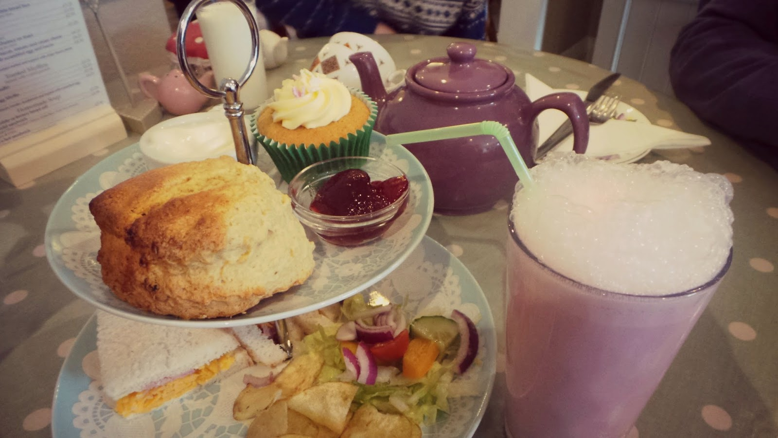afternoon tea with milkshake