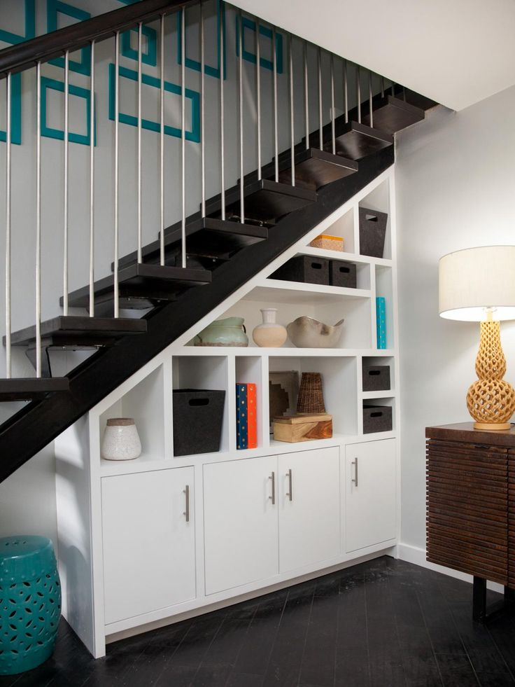 10 Idéias prá aproveitar espaço embaixo de escadas