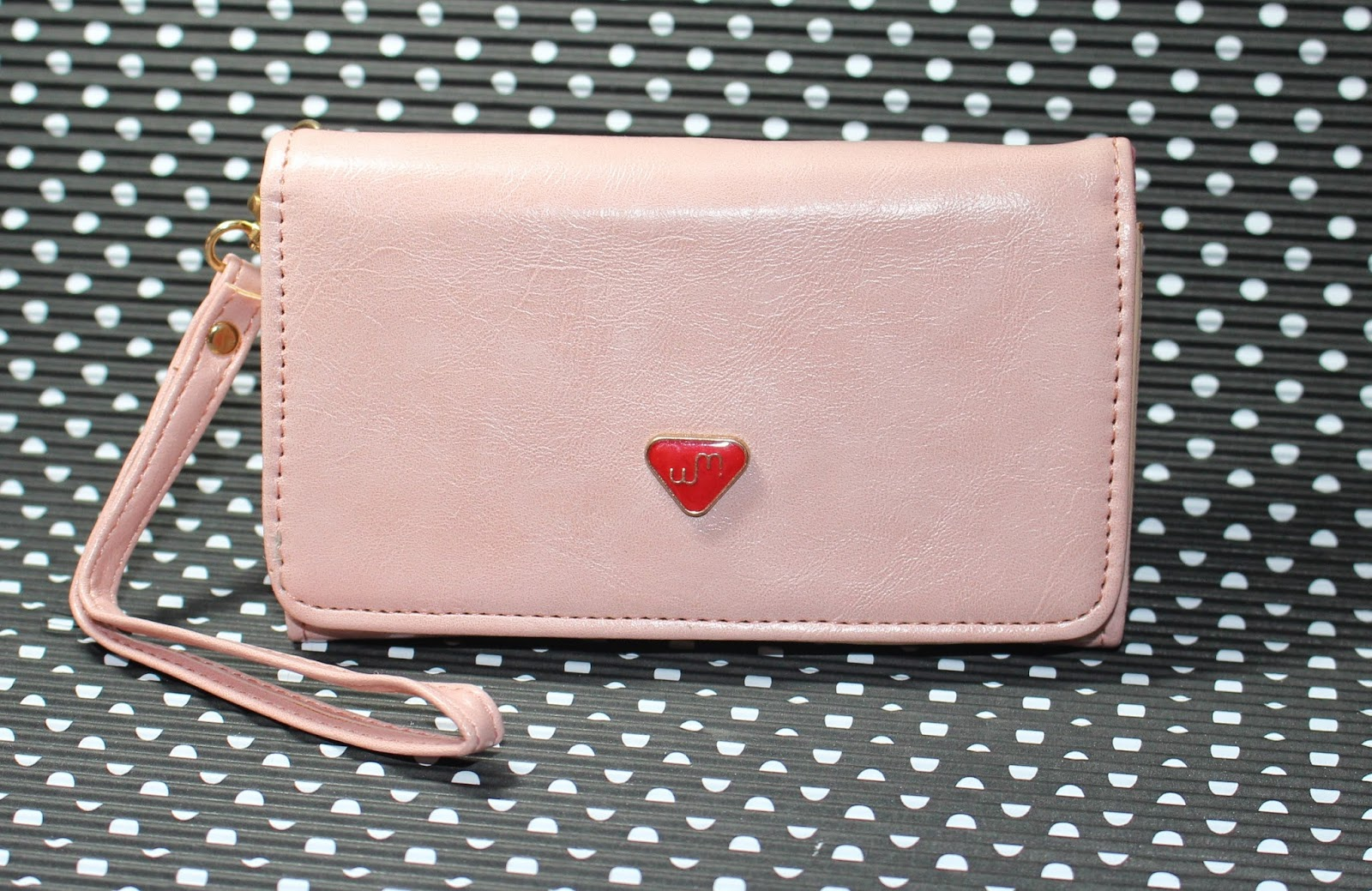 http://www.dresslink.com/envelope-card-wallet-leather-purse-case-cover-for-samsung-galaxy-s2-s3-iphone-4s-5-p-9128.html