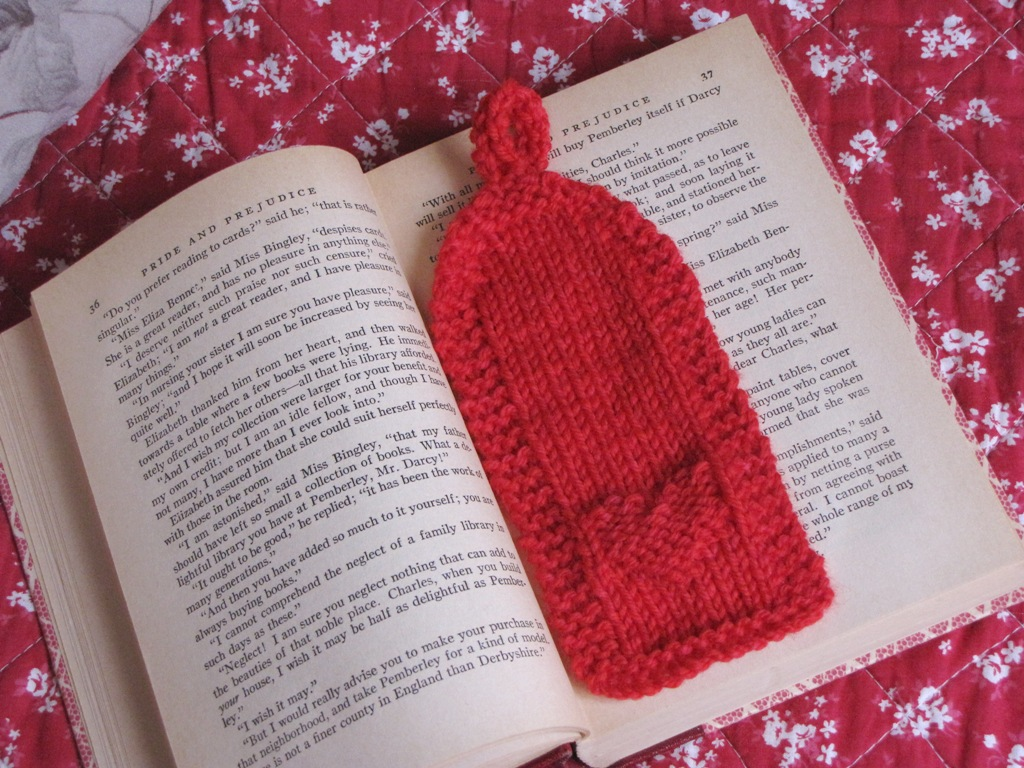 Knitted Cushion Cover Patterns : Valentine, Heart Bookmark Knitting Pattern - Natural Suburbia