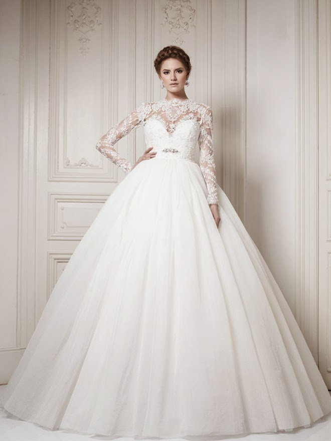 Winter wedding dresses belle the magazine for Long sleeve lace wedding dresses