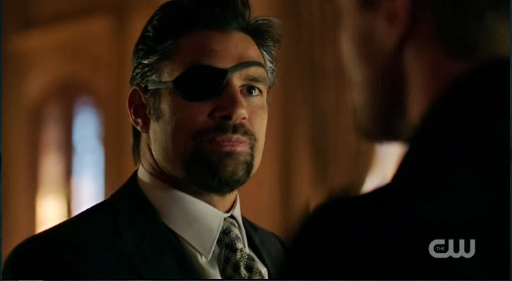 Slade Wilson Arrow Manu Bennett sexy eye patch goatee suit and tie photos pictures images screencaps
