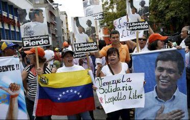 Justicia venezolana condena a Leopoldo López a 13 años de prisión