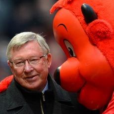 Sir Alex Ferguson Akan Pensiun