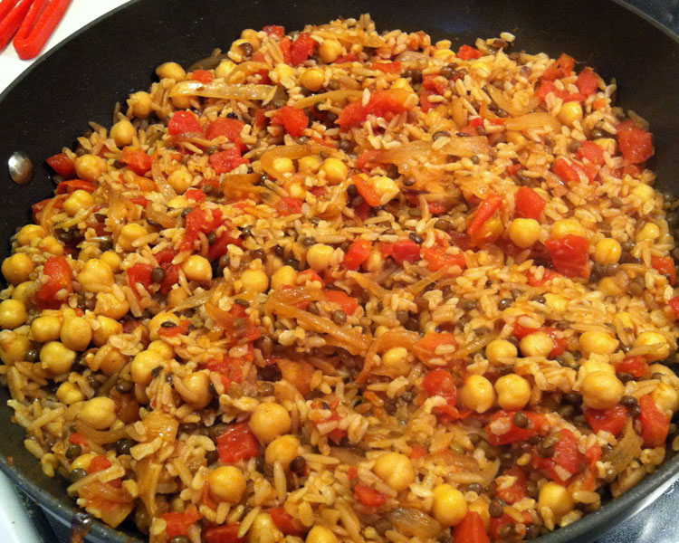 Just Me Eating: Müceddere: Rice Pilaf with Onions and Stuff