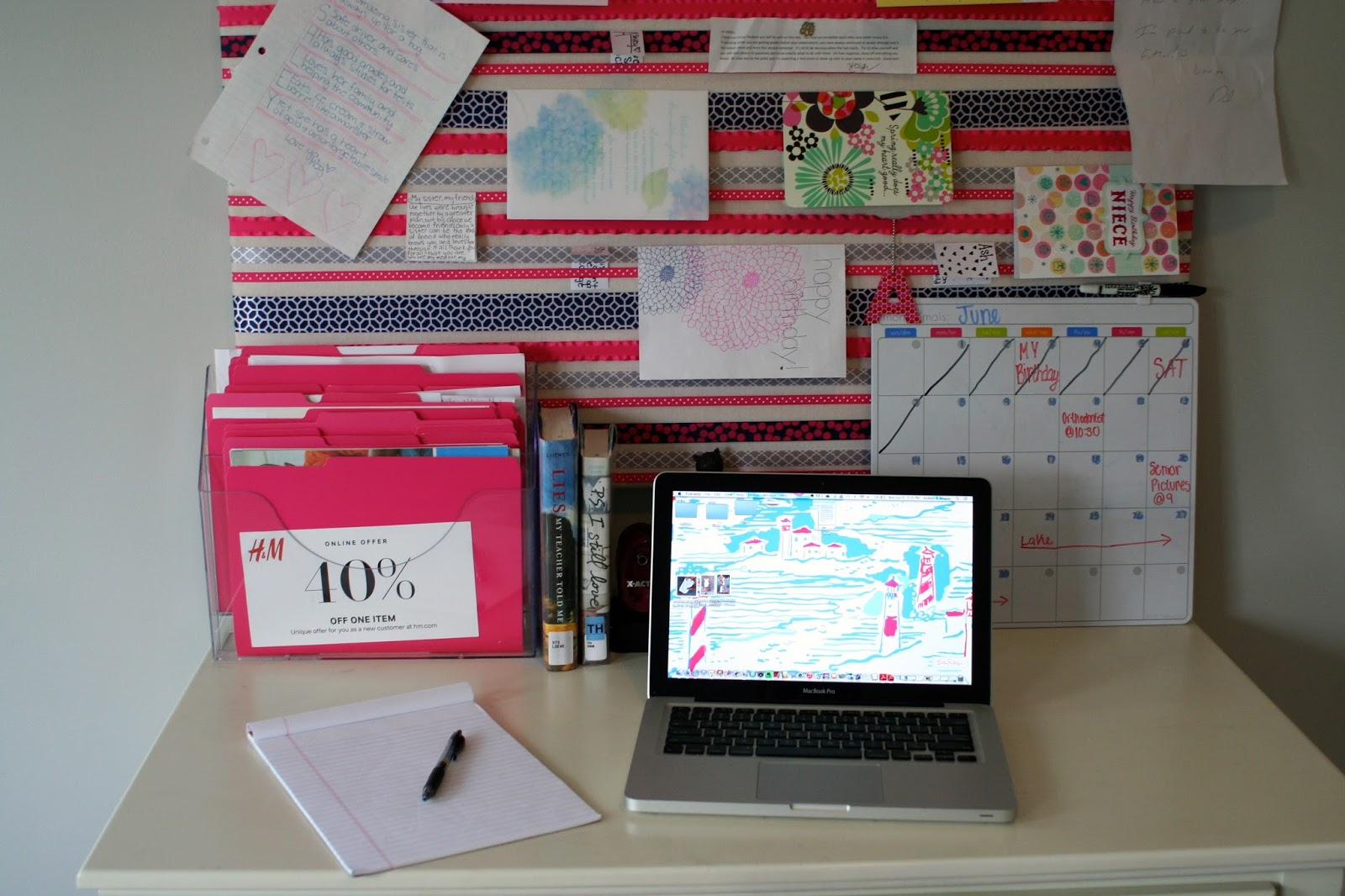 My well dressed life tips for keeping your desk top organized - How to keep your desk organized ...