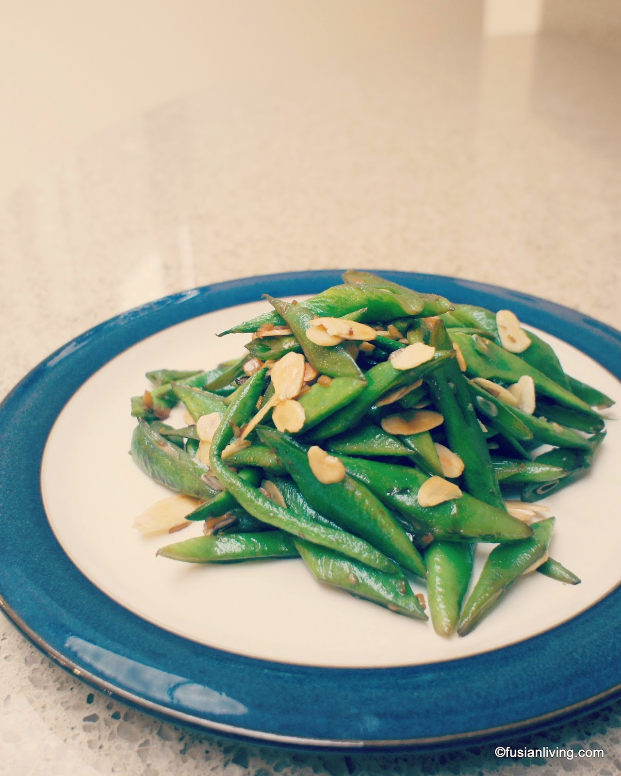 Stir-Fried runner beans with toasted almonds recipe