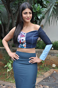 Shruti Haasan latest glam pics-thumbnail-13