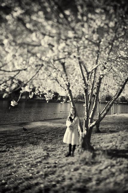 в черно-белых фотографиях Кэролайн Хэмптон
