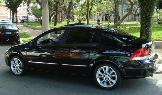 Chevrolet Vectra Elite 2.4 flex preto - traseira