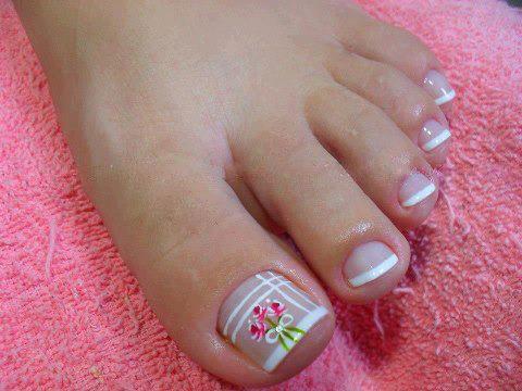 Como fazer decoração linda de unhas dos pés