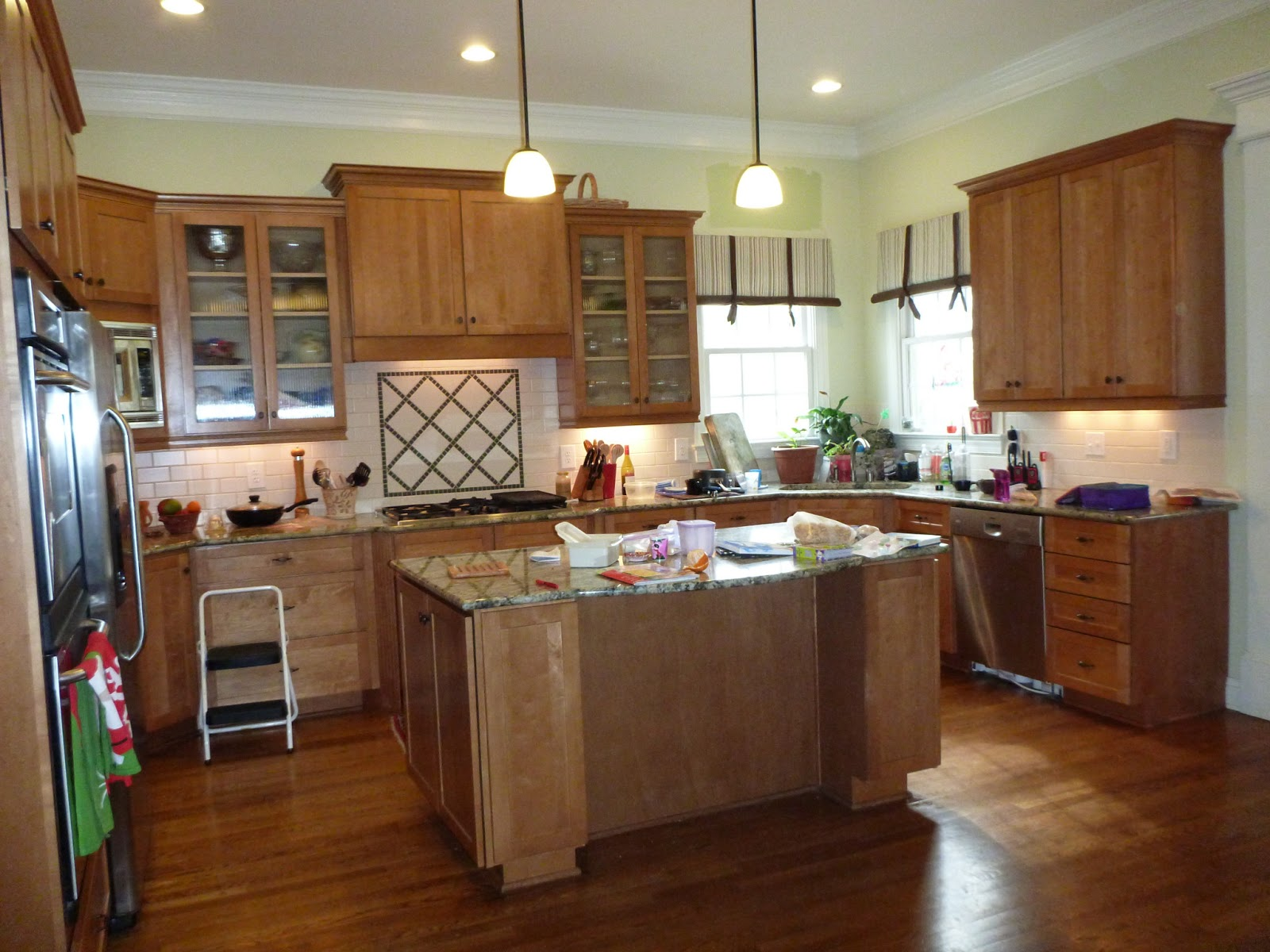 Peach kitchen ideas best free home design idea for Peach kitchen ideas