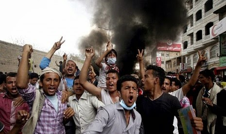 Krisis Yaman, Harga Minyak Jatuh