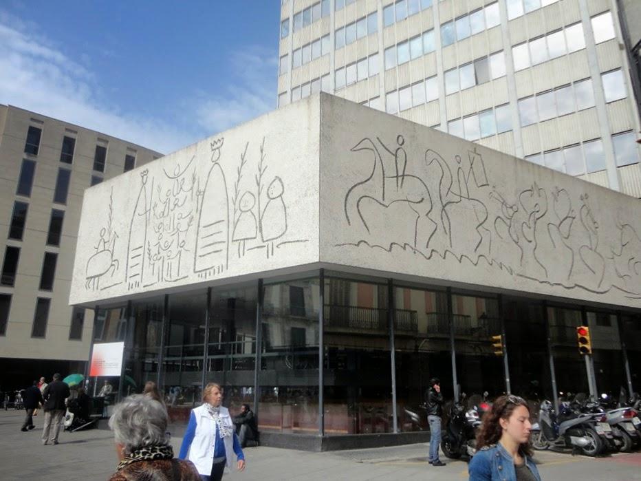 Colegio Arquitectos Barcelona. Perfect Dibujos De Picaso Estan En El ...