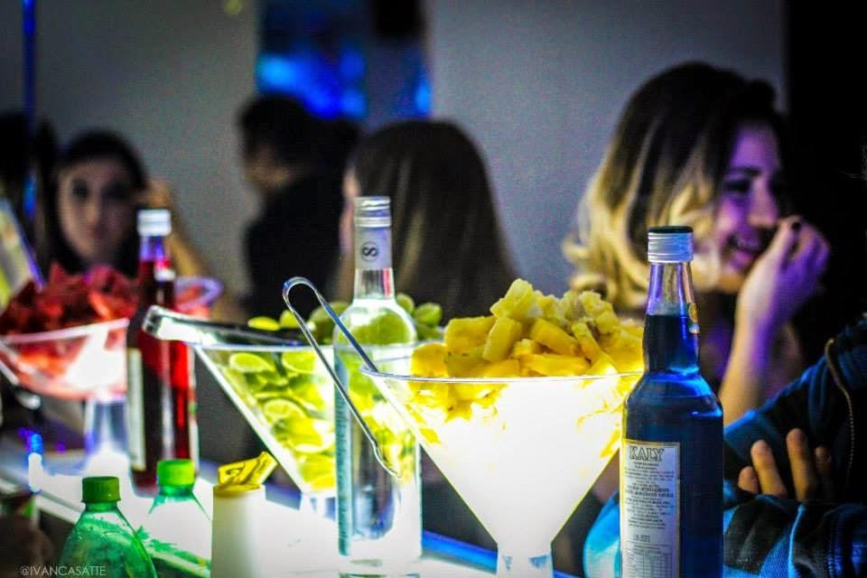 Bebidas e frutas