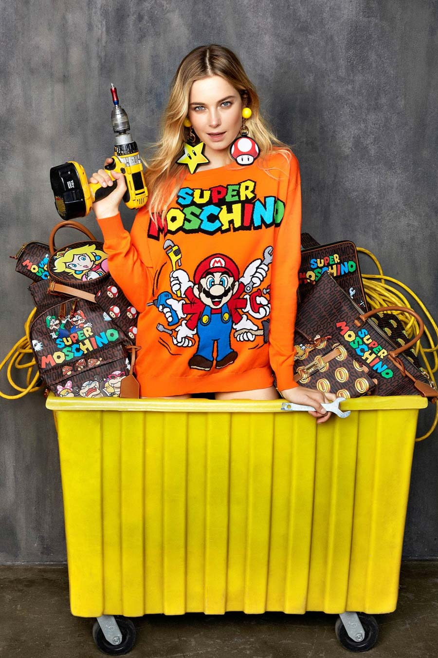 moschino-x-nintendo-super-moschino, moschino-x-nintendo, super-moschino, super-mario-bros-moschino, mario-bros-moschino, luigi-moschino, peach-moschino, princess-peach-moschino, princesse-peach-moschino, du-dessin-aux-podiums, dudessinauxpodiums, jeremy-scott-moschino-nintendo, jeremy-scott-mario-bros